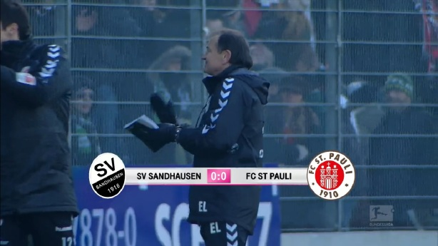 Game over, Lienen applausing the 3000 fans that made the trip and made Hardtwaldstadion looking like home :-)